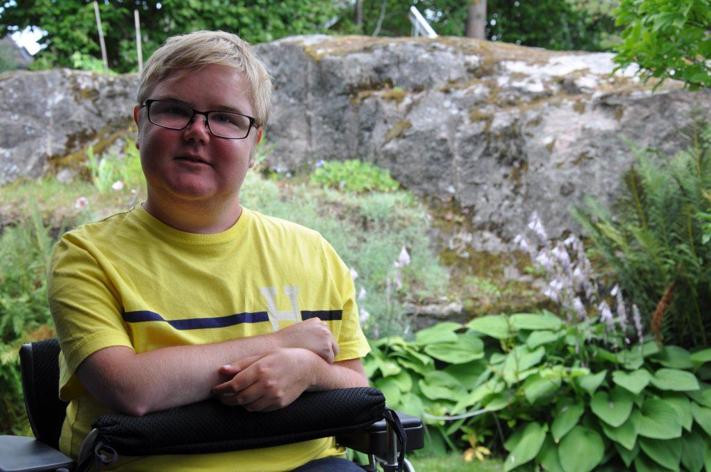 23-årige Philip Jönsson är flerfaldig svenskmästare i skytte och har varit med i handikapps landslaget i skytte sedan 2013. Nu väntar Paralympics i Rio de Janeiro.