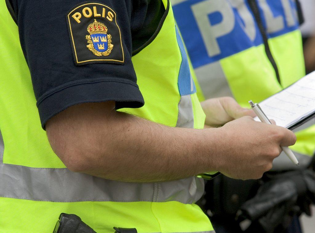 Poliser utlöser för många larm i polishuset i Lidköping.