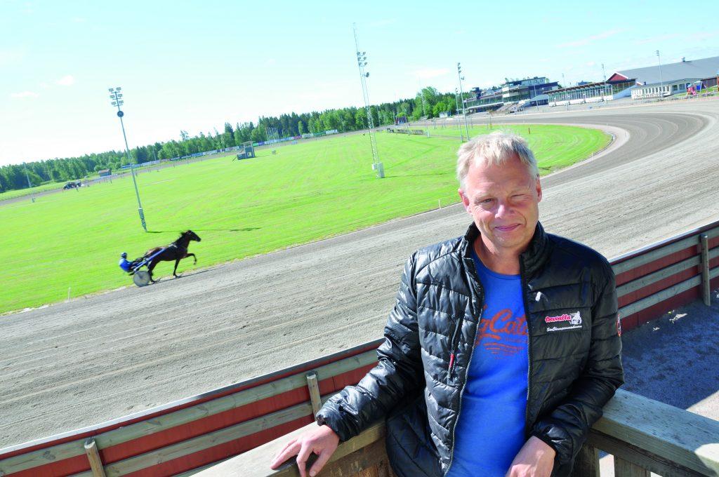 Per Ottosson jobbar kvar på Axevalla fram till årsskiftet. Sedan väntar nya utmaningar.