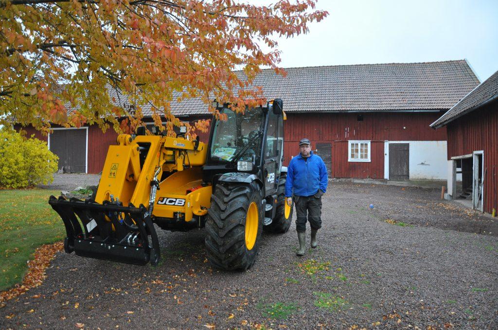 Per Carlsson har sålt mjölkkorna och tillbringar en vecka i månaden i Ryssland.