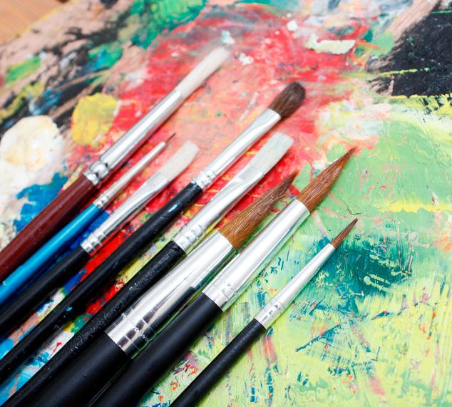 Kulturnämnden ökar stödet till konstnärers utställningar.