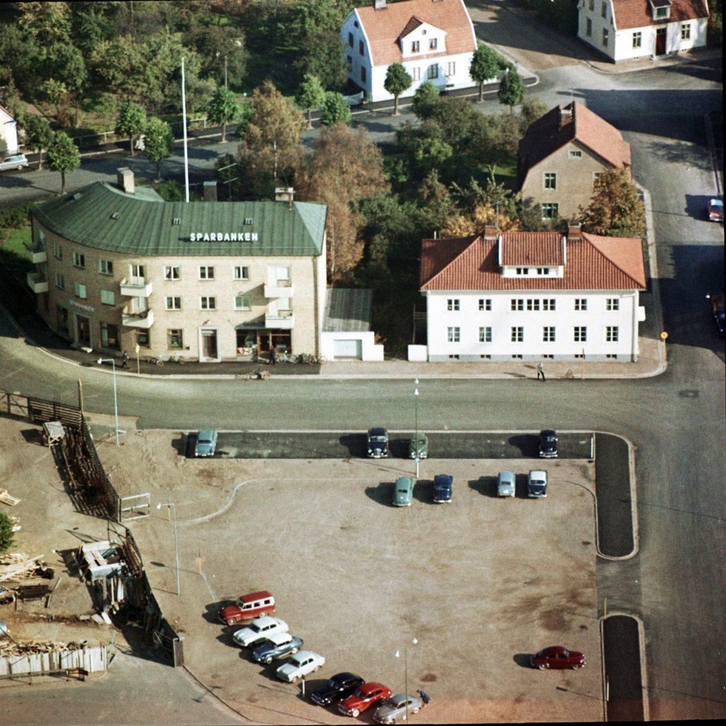 16_8_vara_sparbanken-stora-torget-1_vara_1961