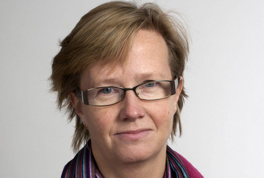 Västra Götalandsregionen motsätter sig att regionalt ansvar för landsbygdsutveckling flyttas till statliga organ. Regionrådet Kristina Jonäng vill också stärka SLU i Skara i dessa frågor.