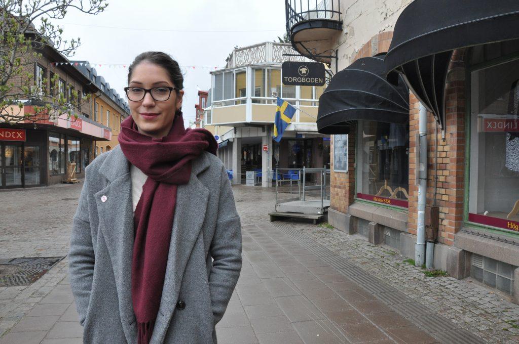 Lina Ahl, SSU-ordförande i Skaraborg, har inte skrivit sitt plakat än, men vet vad hon ska lyfta fram i sitt förstamajtal. Skolan och ungdomars psykiska ohälsa är de två viktigaste frågorna.