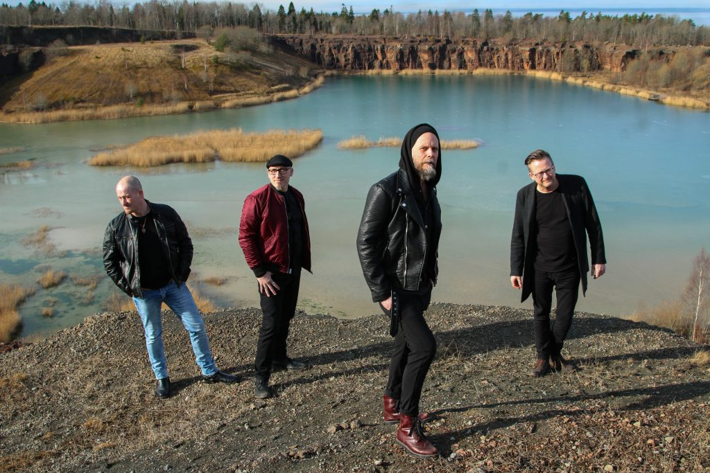 Idag släpper rockbandet Shape Of The New Sun singeln Majestic. Albumet Dying Embers kommer den 15 maj.