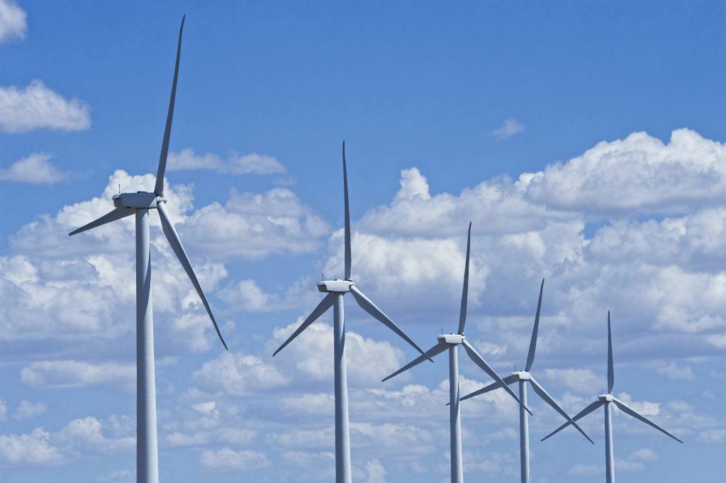 I juni reser Rabbalshede Kraft 22 stycken vindkraftverk vid Lyrestad, utanför Mariestad. Verken blir 200 meter höga och kommer producera el som motsvarar över 11 000 normalstora villors årsproduktionen. Men elen i Lyrestad är redan såld. Till internetföretaget Google.