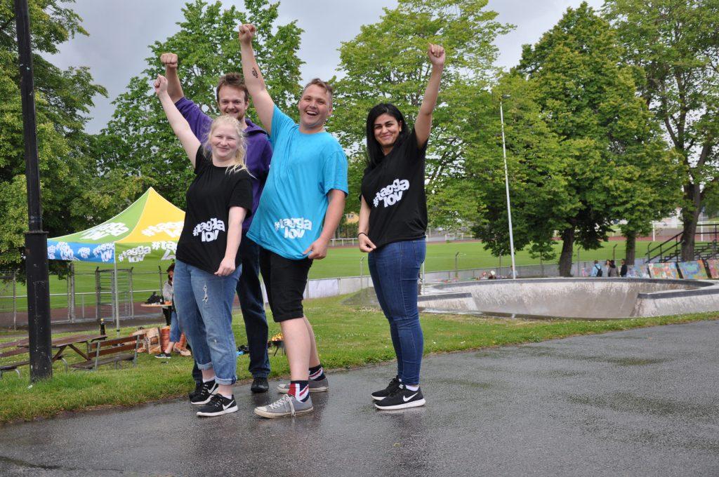 Johanna Dahl, Simon Edin, Adam Höydahl Andersberg och Chiman Mohamad är några av de så kallade processledarna som ska verka för att barn och unga i Falköpings kommun får ett meningsfullt sommarlov.