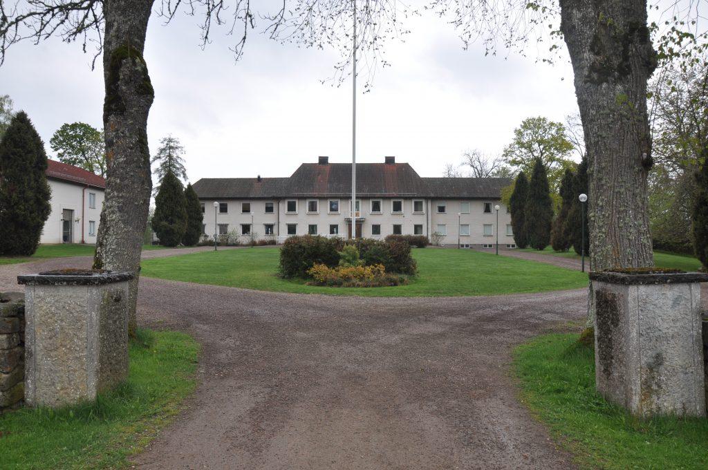 Karl-Johan Blank köper Sparresäter, i Lerdala, för 38 miljoner kronor av regionen.