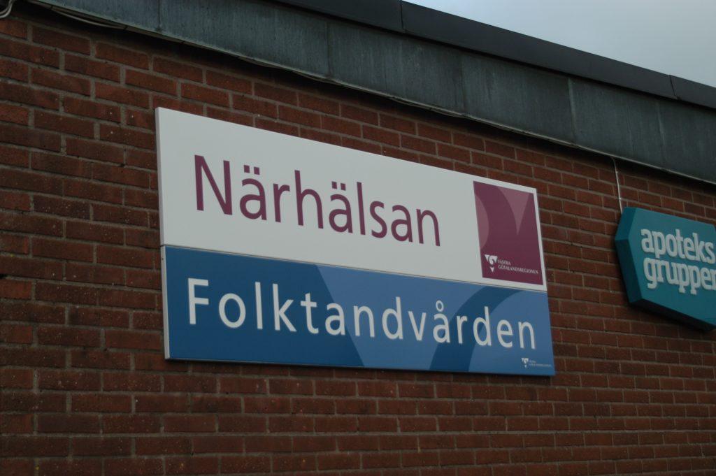 En dom i förvaltningsrätten ger landsting och regioner rätt att täcka underskott i egna vårdcentraler, exempelvis Närhälsan i Västra Götaland.