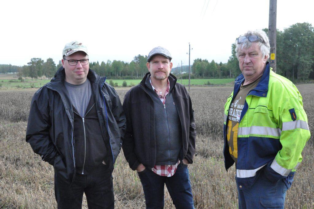 Per Ola Widefalk, Henrik Kråklind och Lennart Gustafsson vill att Vattenfall gräver ner elledningarna mellan Mölltorp och Tibro.