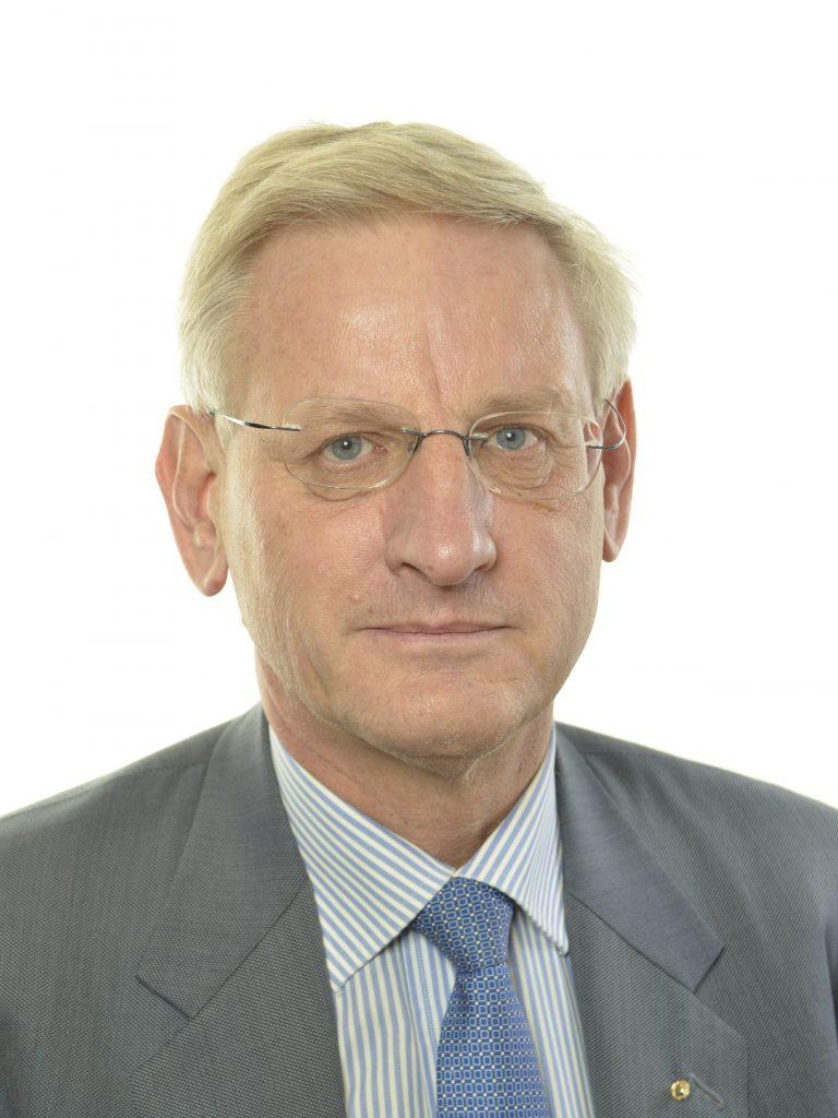 Moderaterna i Västra Götaland vill att Carl Bildt åter blir partiledare.