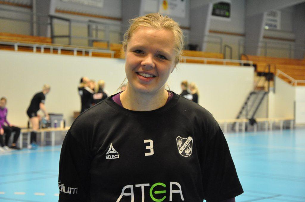 Skara HF:s lagkapten Caroline Friberg hade all anledning att vara nöjd efter segern över Skövde HF.