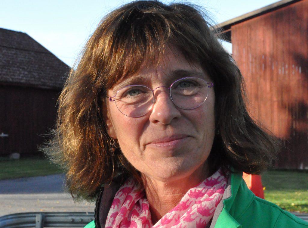 Ulrika Carlsson, 52, Skövde, vill driva hållbarhetsfrågorna hårdare i riksdagen. Hon menar att betydelsen av gröna frågor och frågor för att hela Sverige ska leva inte minskat, tvärtom.