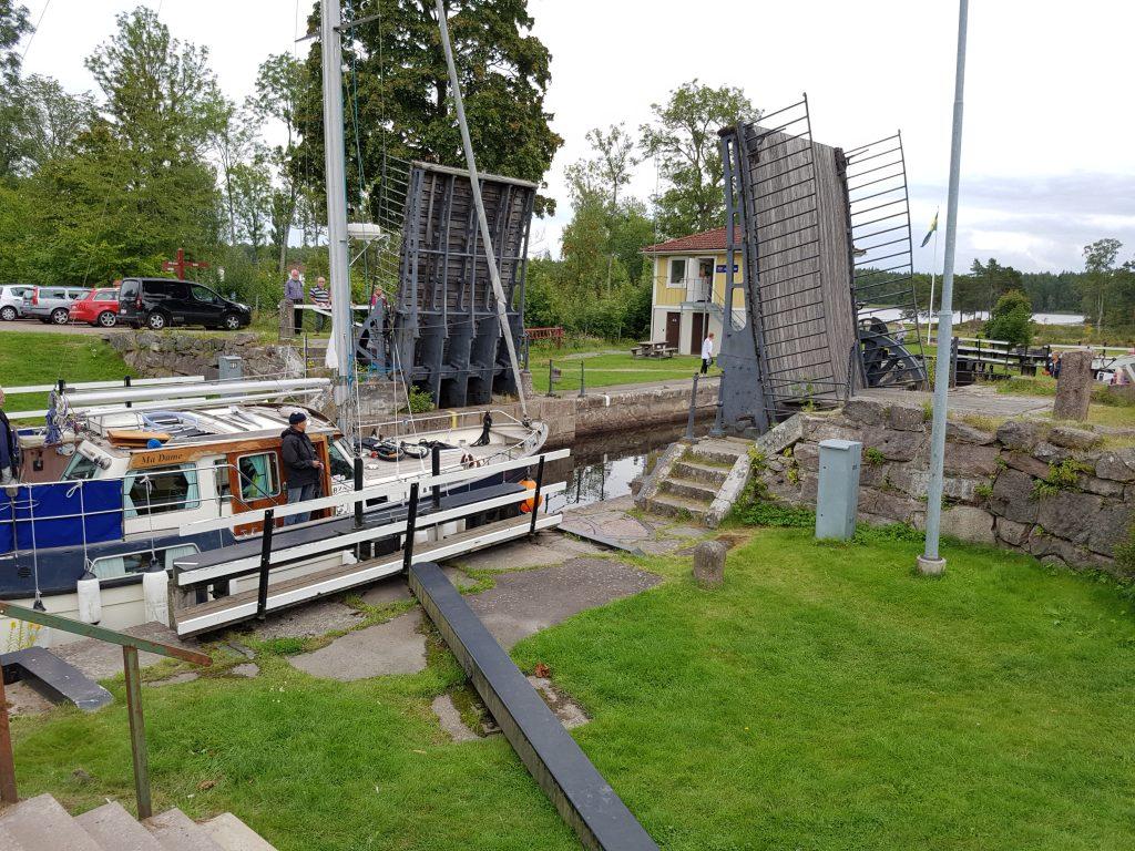Göta Kanals äldsta sluss vid Forsvik.