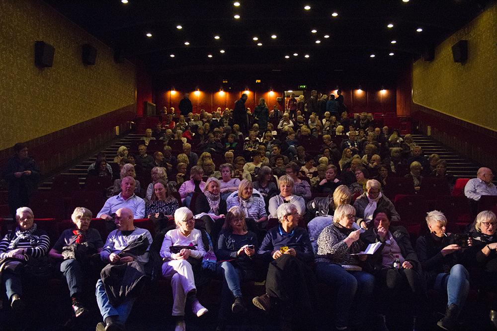 Fullsatt i biosalongen under förra årets filmfestival i Skara. Foto: Filmfestivalen i Skara