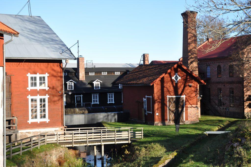 I Karlsborg finns alla miljöer som skulle kan tänkas behövas för en filminspelning, förutom storstadsmiljö.