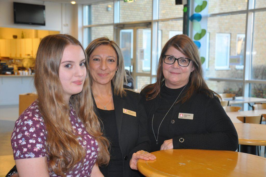 Skolverket studerar nu vad skolan gör som är så bra och har nyligen träffat såväl eleven Julia Kling Isernia som programledare Rosina Artuso Saklanti och rektor Marie-Louise Brage.