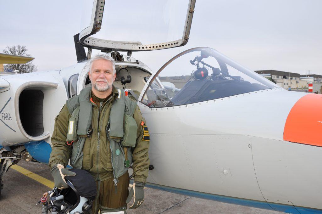 Tommy Packalen har arbetat inom Försvarsmakten i 30 år, bland annat som stridspilot. Nu är han chef över flygstridsledarna på F7 i Såtenäs.