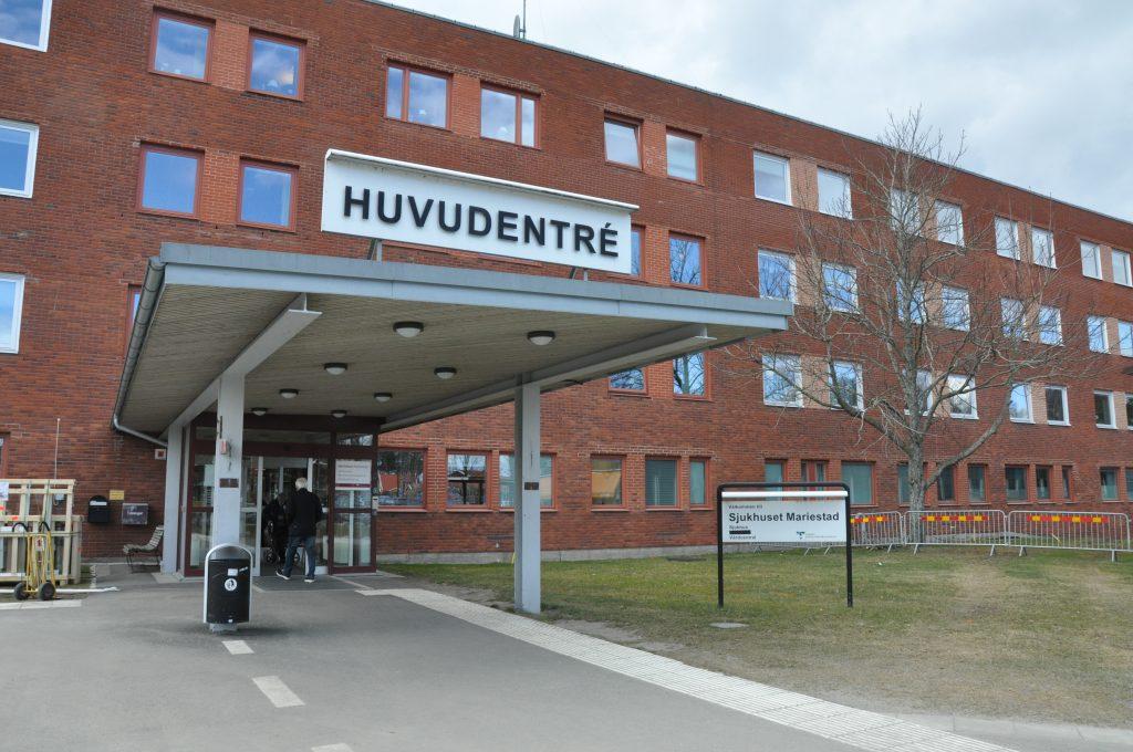 Jourcentralerna i Mariestad (bilden) och Falköping får även 2018 ha stängt på vardagskvällar.