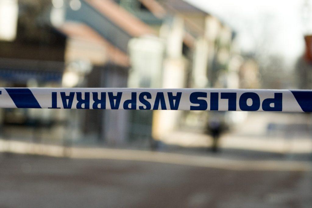 Flera undersökningar visar att svenskarna är allt oroligare över brottsutvecklingen i Sverige. Foto: Fotoakuten.se