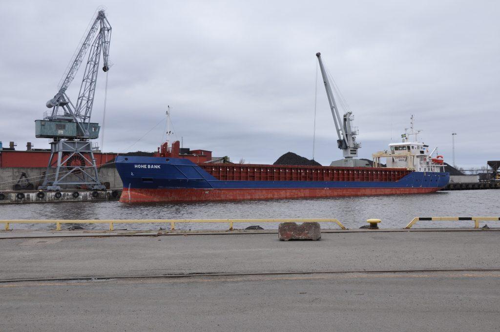 Hamnen i Lidköping är en av Vänerhamn AB:s hamnar.