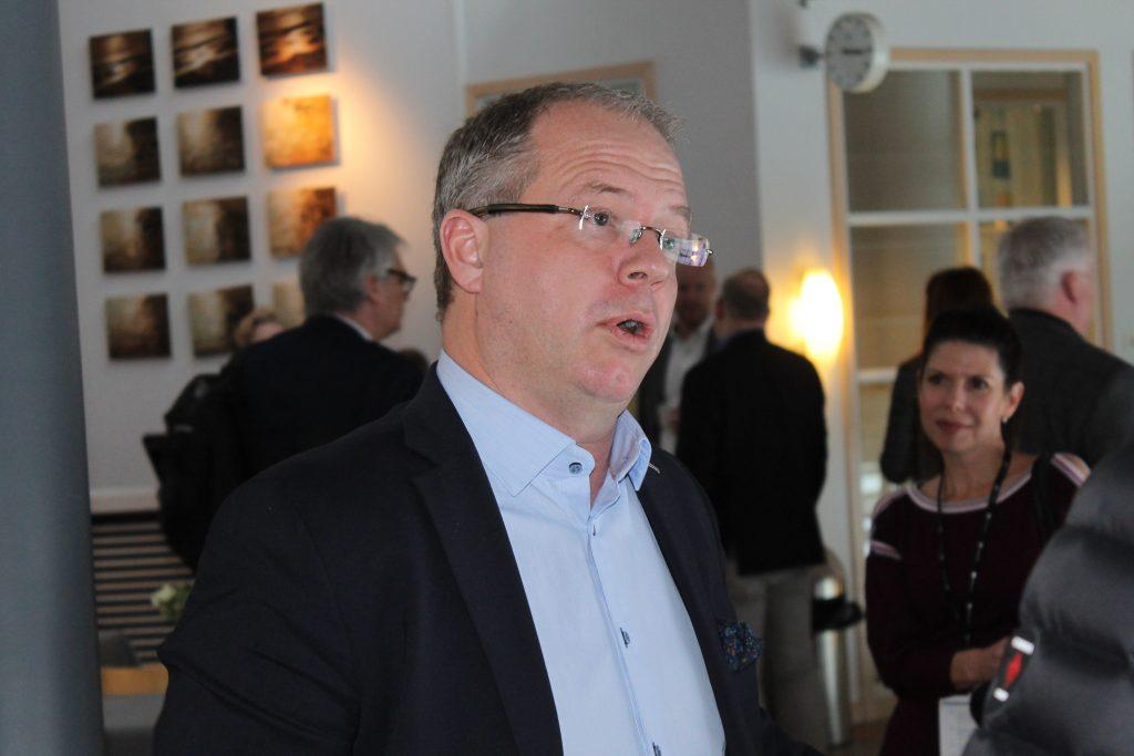 """Volvos koncernchef Martin Lundstedt som är uppvuxen i Mariestad menar att skaraborgarnas pragmatism och """"jävlar anamma"""" är en styrka för framtiden."""