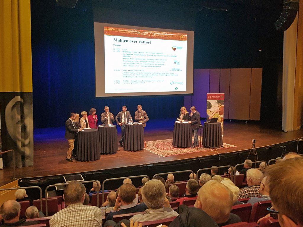De små vattenkraftverken stod i centrum när riksdagspartierna på måndagen mötte kraftägare från hela Västra Götaland.