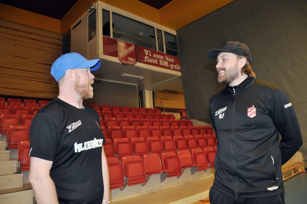 Jonas Boväng (dam) och Mickael Fredriksson (herr) är tränare för Lockeruds seniorlag. Och båda har chansen att kliva uppåt i seriesystemet. Båda känner pressen, i hallen hänger en stor banderoll som berättar att Lockerud är den klubb i Sverige som tagit flest SM-guld i historien.