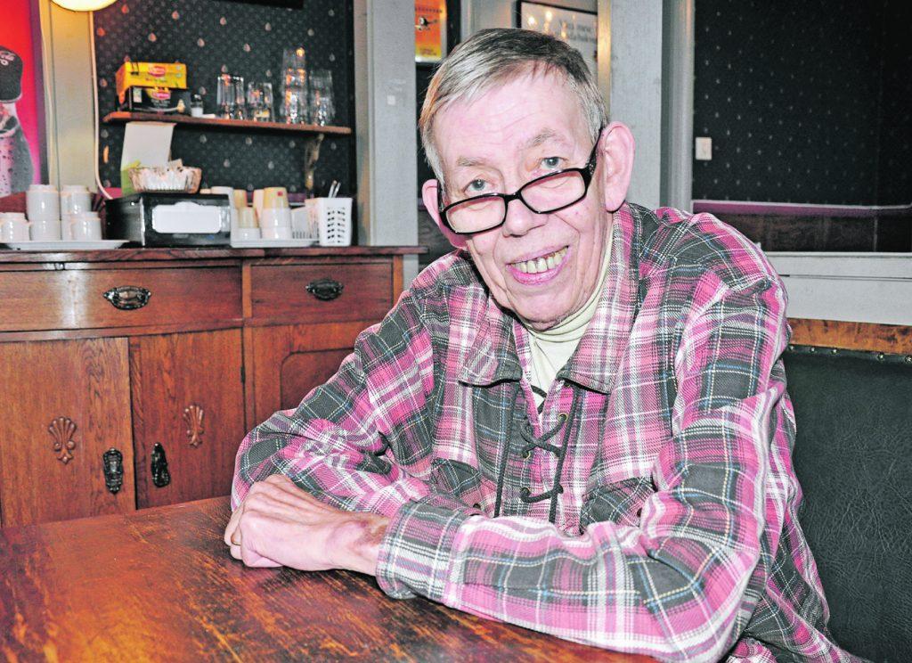 Skaraborgsbygdens mångårige chefredaktör Sven Gärdekrans, Bolum, har avlidit. Foto: Eva Westin.