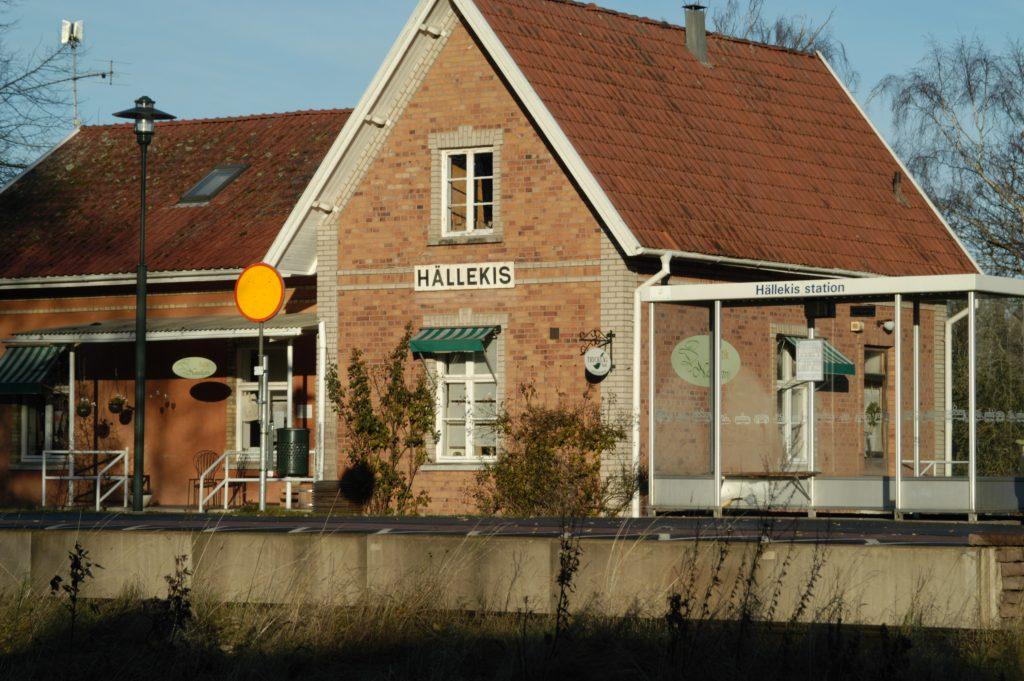 Hällekis station utmed Kinnekullebanan.