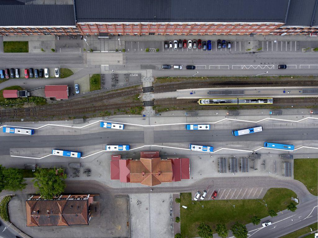 Från och med nästa sommar elektrifieras hela stadstrafiken i Lidköping. Foto: Thomas Harrysson